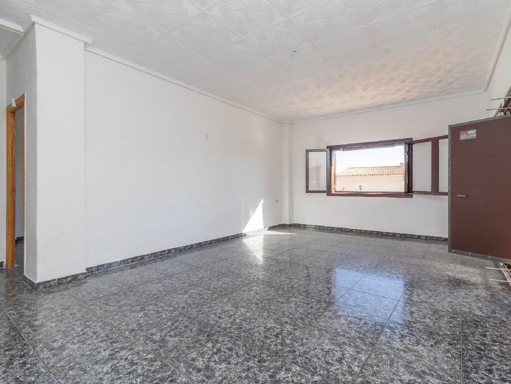 Piso en venta en Santa Pola, Alicante, Avenida Oscar Espla, 166.500 €, 3 habitaciones, 1 baño, 119 m2