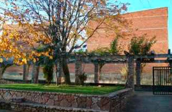 Suelo en venta en León, León, Calle Número Seis, 343.000 €, 906 m2